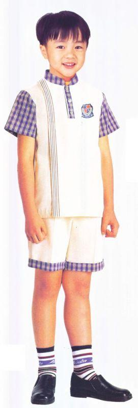 时尚靓丽小学学生制服
