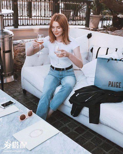 白T恤+牛仔裤=经典干练